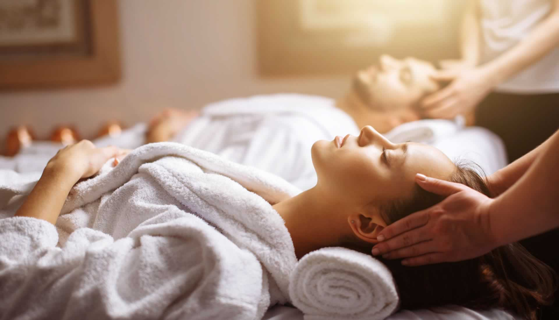 Couples Massage is perfect to treat yourself and a partner to a relaxing and intimate couples massage. We come to your home with massage table, linens, candles, music and oil. This is ideal for a birthday gift, wedding gift, anniversary gift, mothers day gift, or for any special occasion.